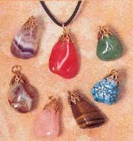 pierre de sante en pendentif